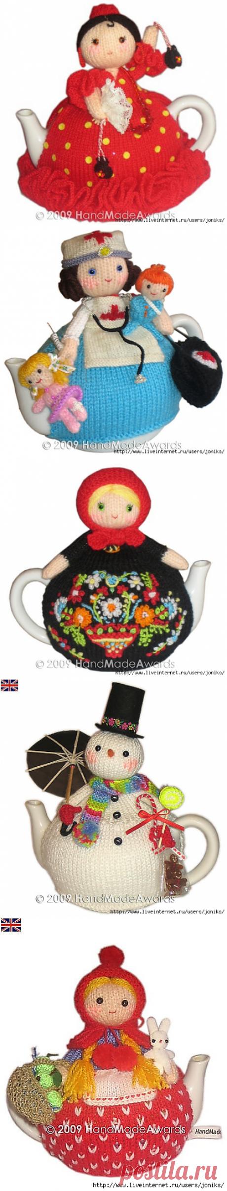 Knitted dolls-amigurumi on teapots...