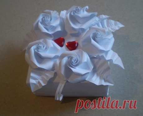 Коробочка с розами оригами