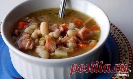 Суп фасолевый с говядиной   Здесь я предлагаю вам простой рецепт супа фасолевого с говядиной, но, несмотря на свою простату, это на самом деле один из вкуснейших супов на свете. А если вы проголодались, то одна тарелочка этого супа вполне вас накормит, ведь говядина с фасолью - это идеальное сочетание растительных и животных белков. А теперь я подробно вам расскажу, как приготовить суп фасолевый с говядиной, так чтобы он все понравился.     Ингридиенты:  Говядина : 500 Гра...