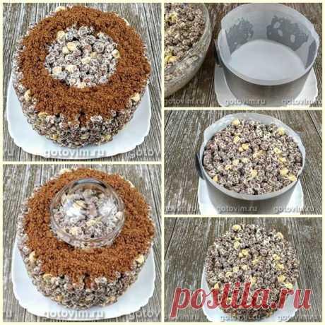 Торт из шоколадных шариков без выпечки