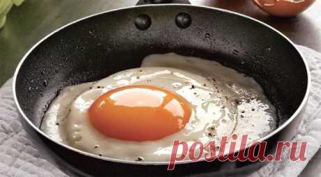 Мой папа, который 30 лет отработал поваром: «Солите не яичницу, а масло, на котором она жарится! Очень крутые советы. Сохраняйте!
