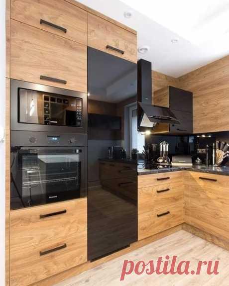 Классное сочетание дерева и чёрного цвета на кухне