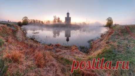 Церковь Покрова на Нерли. Автор фото: Василий Осипов.