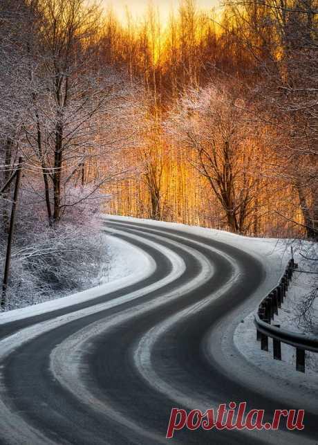 "coiour-my-world: ""Road in wintertime in Hämeenlinna, Finland ~ Lauri Lohi """