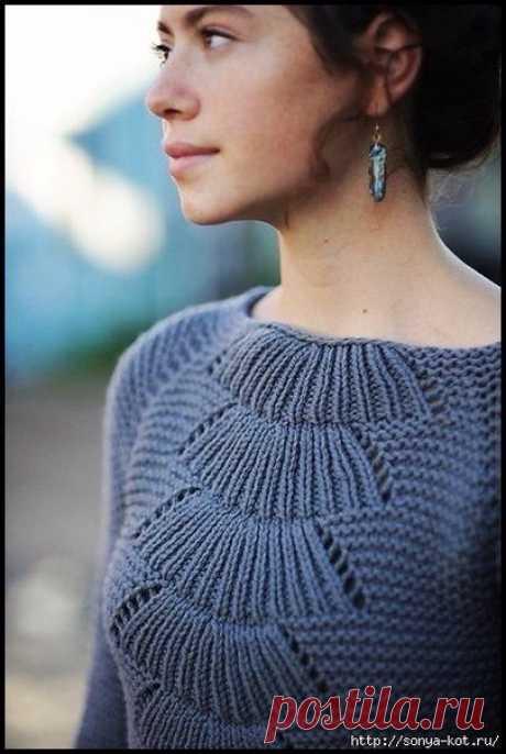 Необычный узор спицами для платья    ©