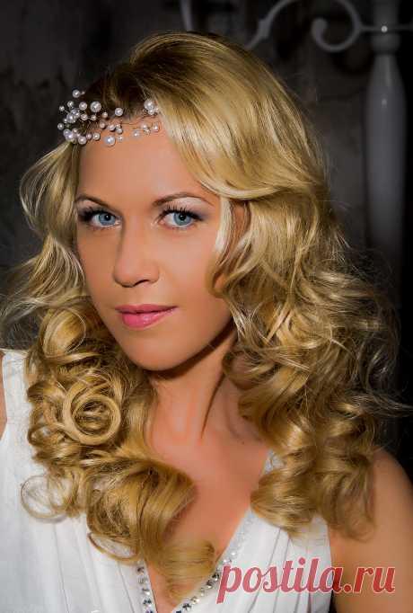 Нежный свадебный образ от стилиста и дизайнера украшений Анны Ефимовой.