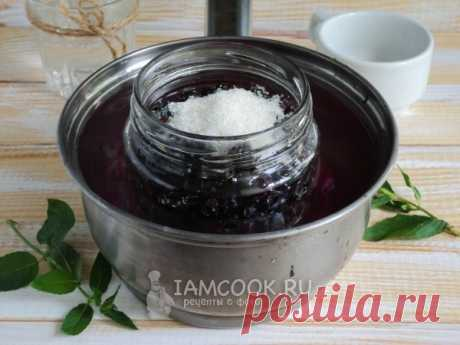 Черная смородина в собственном соку на зиму — рецепт с фото