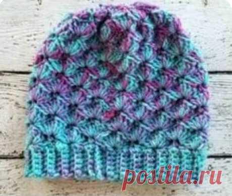 Вязанная шапка крючком