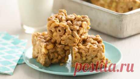 No-Bake Арахисовое масло-Cereal не Батончики рецепт - от столовой ложки!