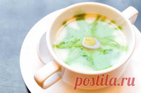 Холодный суп из щавеля с перепелиным яйцом — Sloosh – кулинарные рецепты