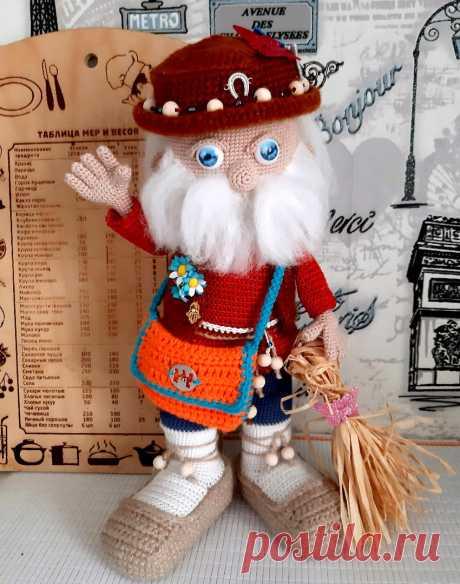 Смотреть фото Домовёнок Харитон крючком в разрешении 850x1080. Автор: Елена Несина. Бесплатная схема для вязания игрушки амигуруми крючком.