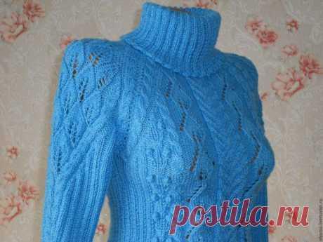 Купить Свитер женский с листочками и аранами. Водолазка. - голубой, цветочный, однотонный, однотонный свитер