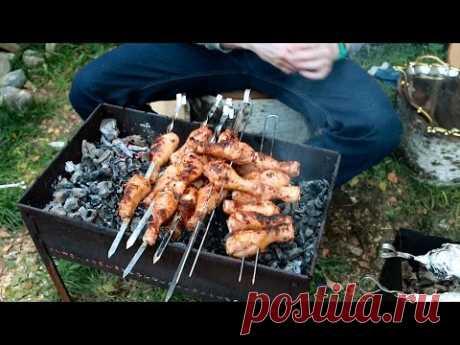 Las gallináceas del pie sobre el brasero - YouTube