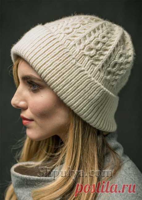 Белая шапка с косами спицами — Shpulya.com - схемы с описанием для вязания спицами и крючком
