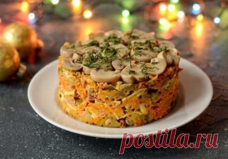 Салат с мясом, морковью и грибами — Sloosh – кулинарные рецепты
