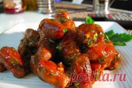 Как приготовить куриные сердечки в томатном соусе с кориандром - рецепт, ингредиенты и фотографии