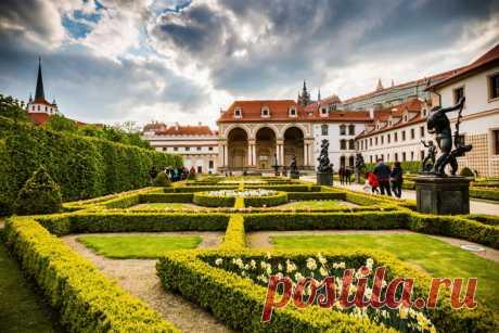 Вртбовский сад (Vrtbovská zahrada) в Праге (Чехия)