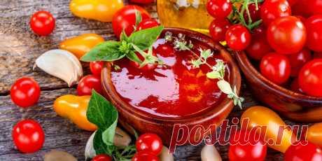 4 рецепта вкусного домашнего кетчупа из свежих помидоров Добавляйте к помидорам яблоки, сливу или перец и готовьте ароматные соусы, которые лучше и полезнее магазинных.