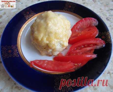 Куриные шарики с сыром Любимыми продуктами моих домашних является курица и сыр. Сырный суп с курицей, салаты с курицей и сыром а также закуски из этих ингредиентов они могут есть хоть каждый день. Сегодня хочу предложить пр…