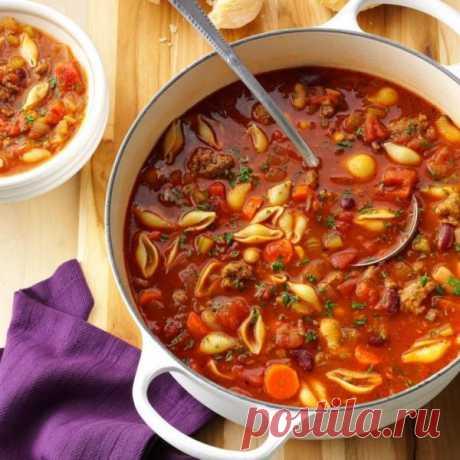👌 Паста э фаджоли - итальянский суп с макаронами и фасолью, рецепты с фото Вкусный рецепт Паста э фаджоли - итальянский суп с макаронами и фасолью, пошаговый, с фото и отзывами 👍 Рецепты супов, Блюда из фасоли, Итальянская кухня, Блюда из моркови, Блюда из перца