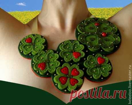 """Textile costume jewelry (a necklace and brooches) from the Master """"Дом charming вещей"""""""