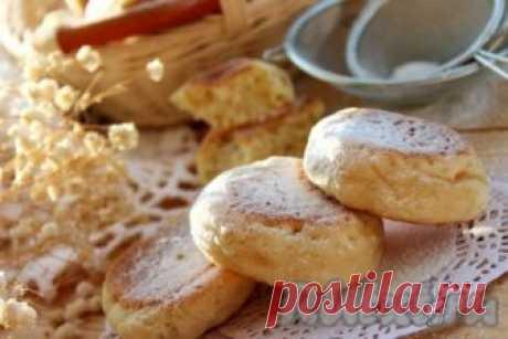 Печенье на сковороде на скорую руку - рецепт с фото Рецепт печенья на сковороде я нашла на просторах Интернета и тут же захотелось приготовить и попробовать. Получилось невероятно вкусное и простое в исполнении домашнее печенье. Такое лакомство готовится на скорую руку и выручит, когда жарко или не хочется включать духовку. Это превосходное блюдо ...