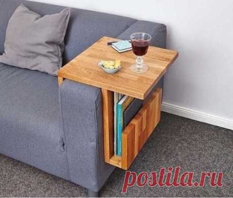 Удобный столик. Отличная идея! Не сложно сделать самим.