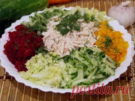 Овощной салат с курицей / Рецепты с фото