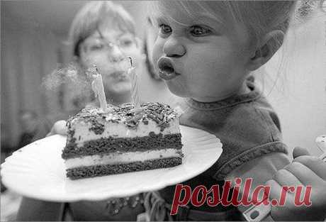 Почему мы задуваем свечи на торте в День рождения