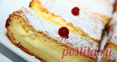 Волшебное пирожное с необычным названием «Умное» - Сайт для женщин Дорогие читатели, для начала объясню вам по какой причине эта сладость имеет такое интересное название. Дело в том, что после того как вы смешаете нужные продукты, получится далеко негустая масса теста. Поместив его в духовой шкаф, оно имеет способность разделится на несколько слоев. Приготовленное данное пирожное представляется в виде торта, в котором существует прослойка крема. …