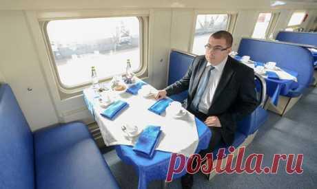 Фотогалерея: Из Москвы впервые отправился двухэтажный поезд - классный