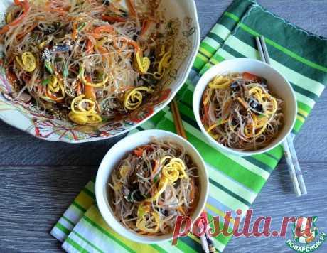 """Лапша с мясом и овощами """"Чапчхе"""" – кулинарный рецепт"""