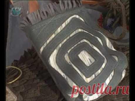 Шьем стильные сумки, шаль из сукна. Из остатков ткани делаем украшения. Мастер класс