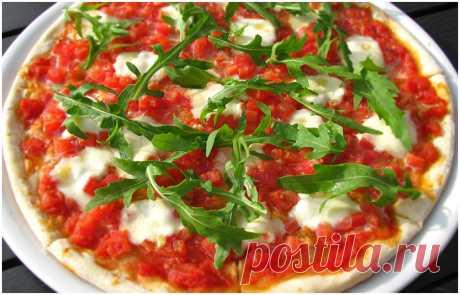 Пицца Буффало с рукколой (Pizza di Buffalo with Ruccola), рецепт пиццы с фото, как приготовить пиццу - Пивной ресторан Бургомистр в центре Москвы