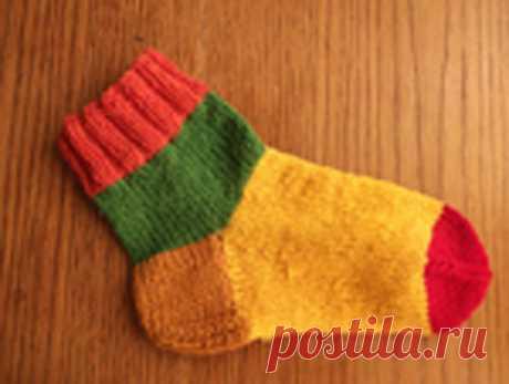 Как вязать носки спицами: учим новичков