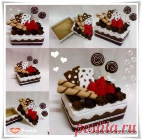 My Chocolate Mocha Cake Box Jjangg... It's took me 5 hrs non-stop 2 finished it.. Tutorial for Strawberry Tutorial for Swirl Cream Tutorial for Swirl Biscuit
