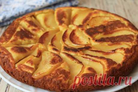 Вместо сырников готовлю на завтрак быстрый творожный пирог с яблоками на сковороде: и нет надобности всё время стоять у плиты | Я Готовлю... | Яндекс Дзен