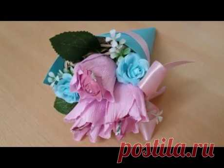 Small bouquet of flowers from candies in a kulyochka