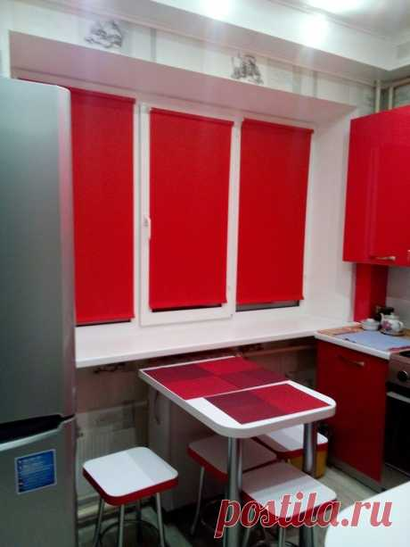 Удобные и уютные маленькие кухни 4,5-5 кв. м с угловым гарнитуром и холодильником | Mebel.ru | Яндекс Дзен