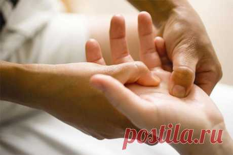 Массаж пальцев рук спасет от депрессии! Неожиданно сильный эффект при депрессии оказывает простой массаж рук. Дело в том, что согласно тибетской медицине зоны пальцев рук и точки ладоней — своеобразные окна здоровья. Каждый палец...
