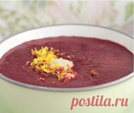 Холодный черешневый суп с клецками