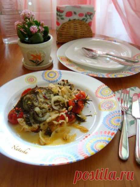 Камбала,запечённая с помидорками, луком,укропом и прованскими травами   ИНГРЕДИЕНТЫ   камбала-1 шт средняя  Показать полностью…