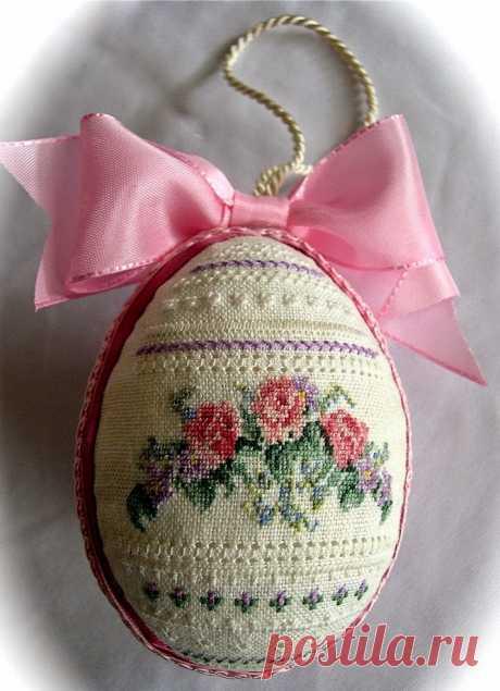 """El bordado por la cruz: """"Пасхальные яйца"""" (la elección de los esquemas)"""
