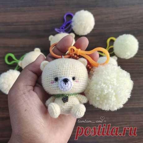 Вязаный брелок медвежонок крючком | Hi Amigurumi