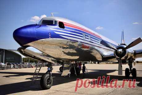 Фото Douglas DC-6 (OE-LDM) - FlightAware