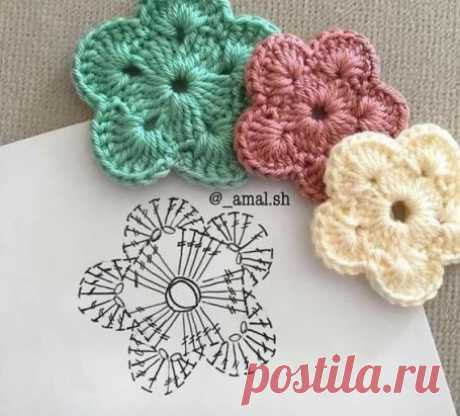 Flowers knitted hook