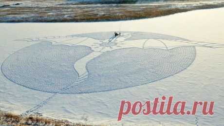 Для американского художника Саймона Бека заснеженные долины и холмы стали холстом, а инструментом… снегоступы. Масштабы проделанных работ впечатляют!
