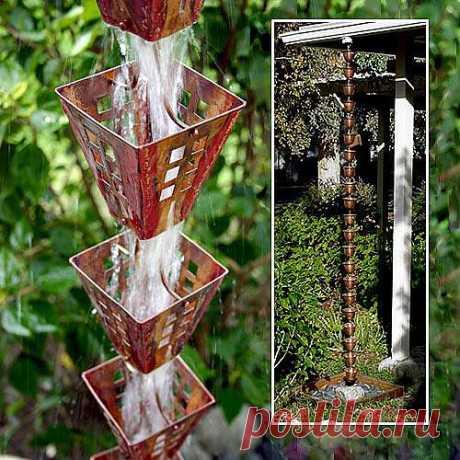 Дождевые цепи - необычный садовый декор