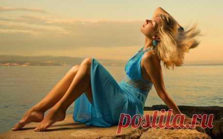 22 ЗАПОВЕДИ УХОЖЕННЫХ ДЕВУШЕК – Счастливая женщина  Ухоженная женщина всегда добивается того, чего неможет добиться женщина вхалате. Эвелина Хромченко Пользуйтесь золотыми правилами ухода за собой и вы станете настоящей королевой! 1. Первое и главное правило — это мотивация.Прежде всего полюбите себя по-настоящему, станьте своим любимым человеком, ведь именно для любимых людей мы хотим меняться, становиться лучше. Полюбив себя, вы изменитесь ради …
