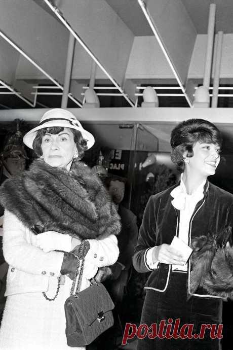 Coco-Chanel-2.55-handbag.jpg (736×1104)
